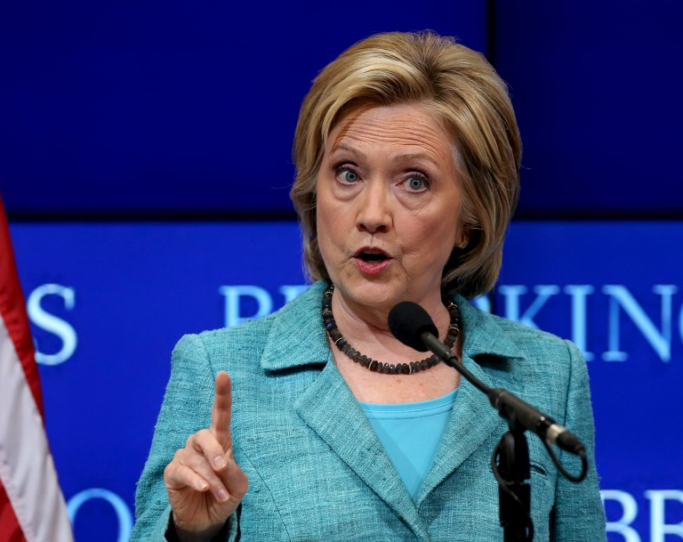 Democratic presidential candidate Clinton discusses the Iran nuclear agreement in Washington